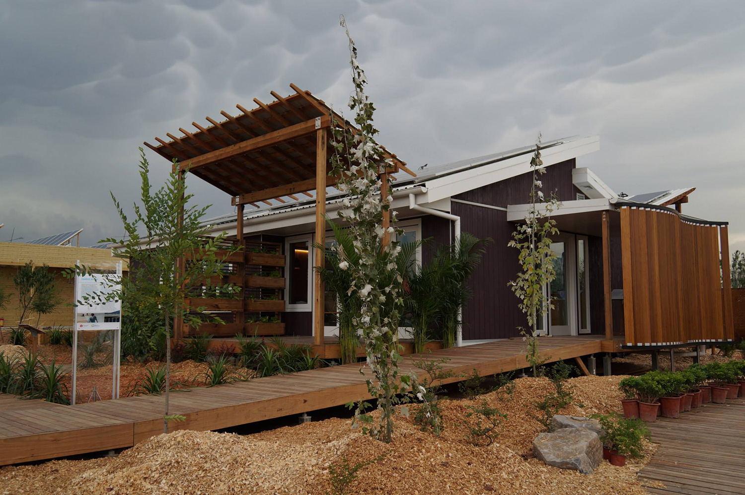 Team UOW Australia wins the 2013 Solar Decathlon China